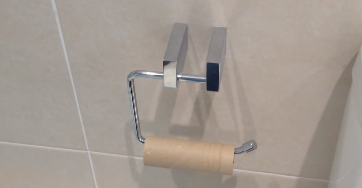 """Toilet Roll Changing"": an instructional video"