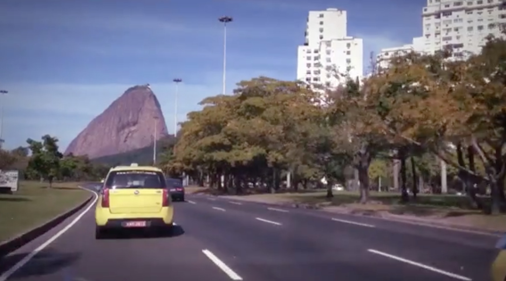 """Short Weekend on Rio"": a quick course in the art of  the travelogue"