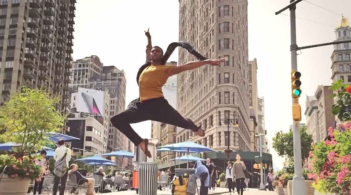 Dancers of NYC wins first prize at the Mobil Film Festival